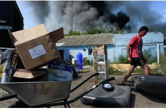 Силовики обстреляли беженцев в Донбассе - погибли мирные жители