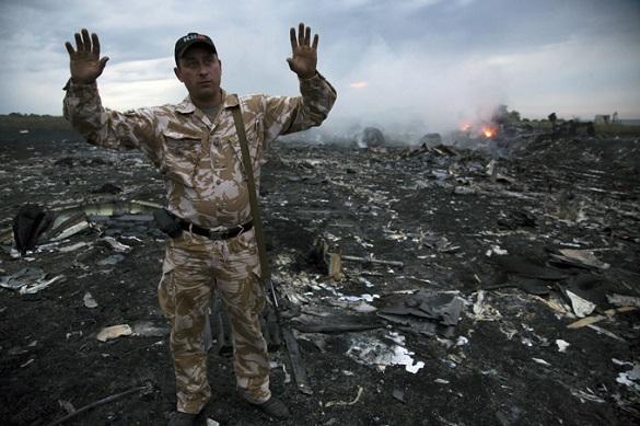 На место крушения «Боинга-777» выехала колонна из 14 машин с экспертами
