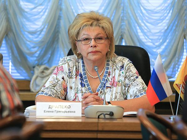 Драпеко призвала не отвечать зеркально Украине на введение «черного списка» деятелей культуры