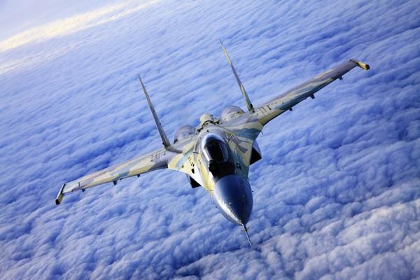 Эксперт: Мирное небо над головой россиян обеспечат Су-35