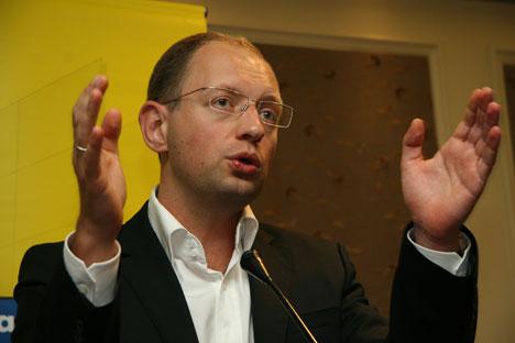 Яценюк собрался закупать газ и пересмотреть цены за транзит