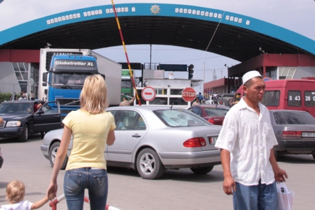 Казахстан не будет ограничивать поставки в Россию из третьих стран