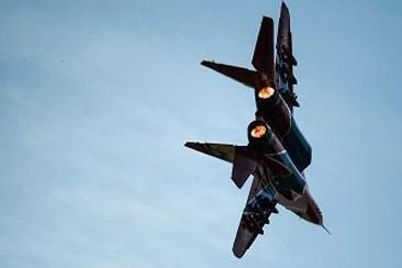 Ополченцы взяли в плен пилотов сбитого МиГ-29