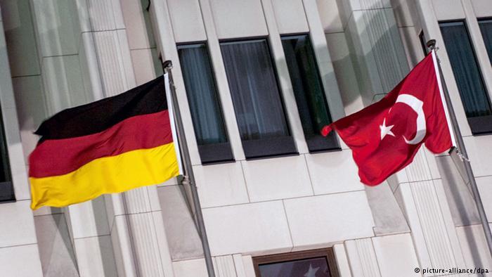 Турция возмущена – Германия не должна шпионить за союзниками