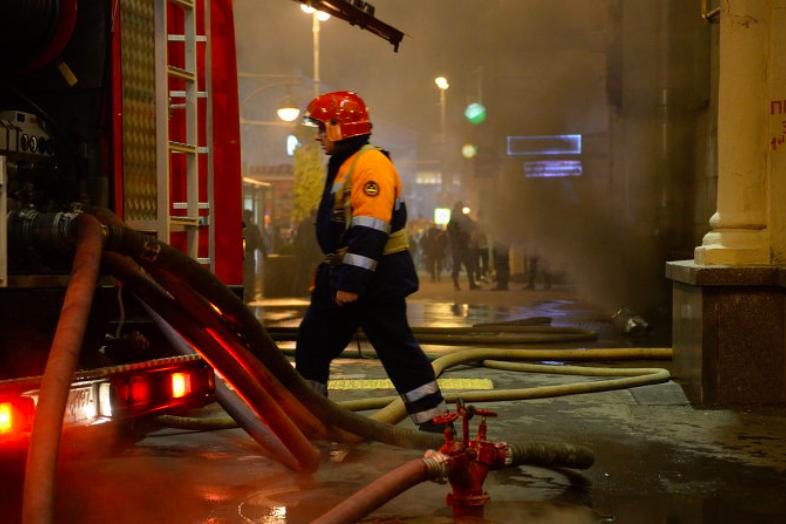 В Москве ликвидировали пожар в усадьбе Нарышкиных