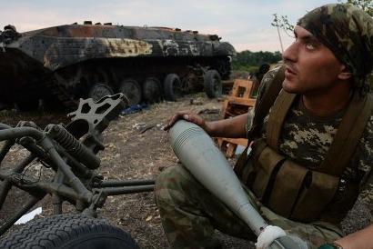 Киевские каратели атакуют пригород Донецка