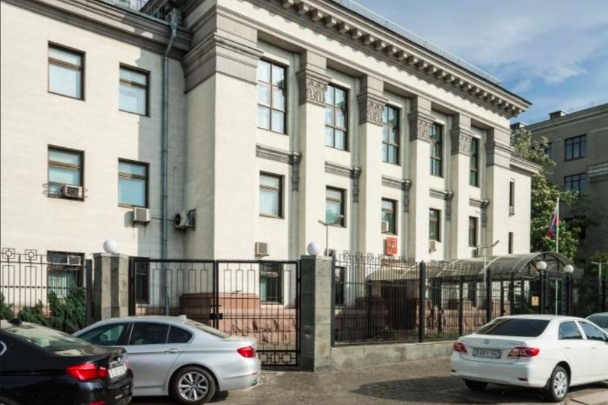 Задержанные сотрудники посольства России в Киеве освобождены