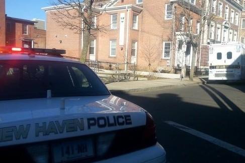 Угрожающего Обаме мужчину с его автомобилем ищет полиция Коннектикута