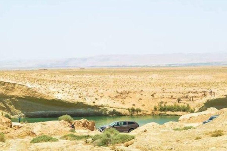 Всевышний дал жителям пустыни в Тунисе озеро