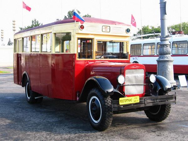 В Москве 9 августа автобусы выедут на юбилейный парад