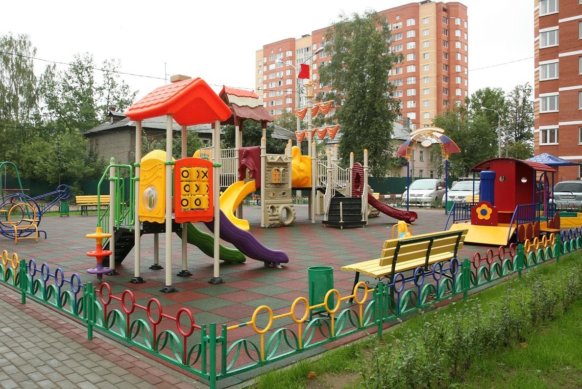 Власти Москвы приступили к формированию адресного перечня благоустройства дворов на 2015 год