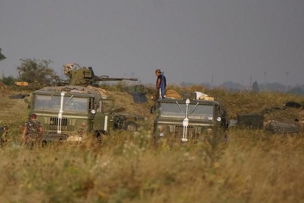 Украинские войска стягиваются к городу Мариуполю