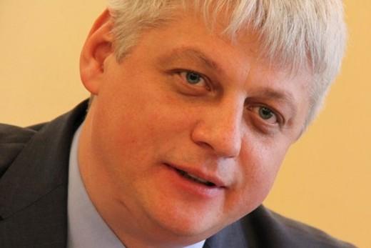 В Шереметьево задержали обвиняемого в мошенничестве спикера Мурманской думы