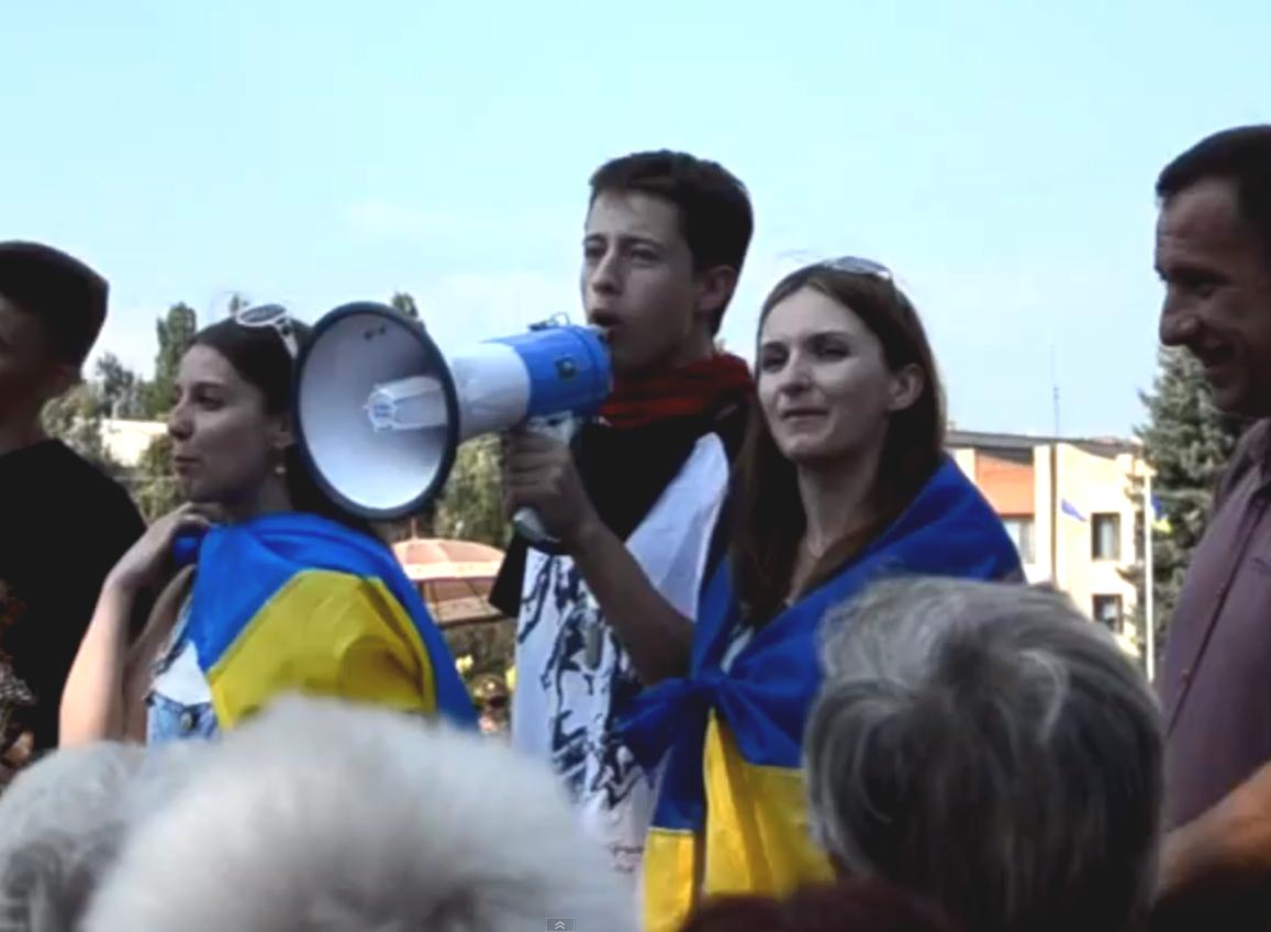 В Славянске звучат призывы резать «москалей»