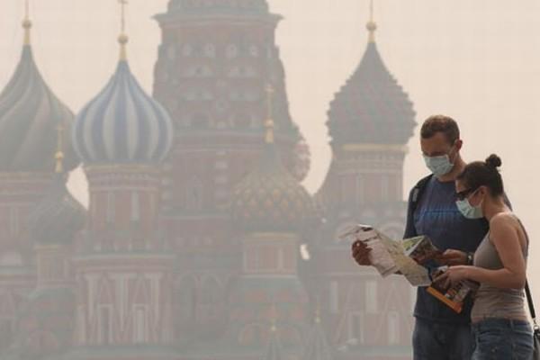 Смог задерживается по пути в Москву