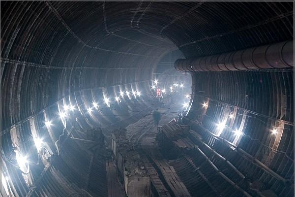 Москвичи рассказали о причине аварии в метро