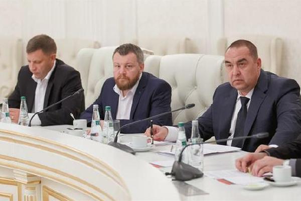 Будет полное прекращение огня в Донбассе, – главы ДНР и ЛНР