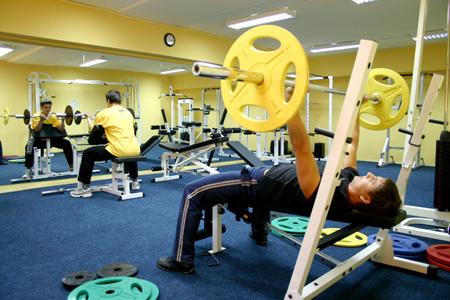 Фитнес-залы для россиян подешевеют