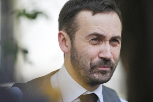 Беглых депутатов предлагают лишать мандатов