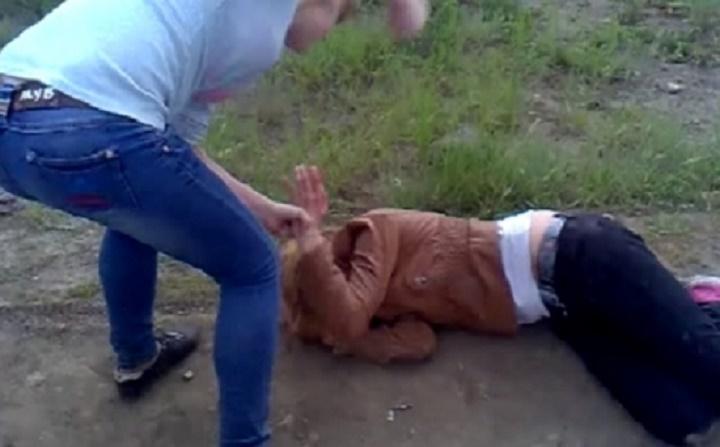 В Липецкой области следователи проверяют школьниц, избивших девочку