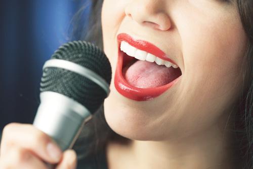 Артистам в России могут запретить петь под фонограмму