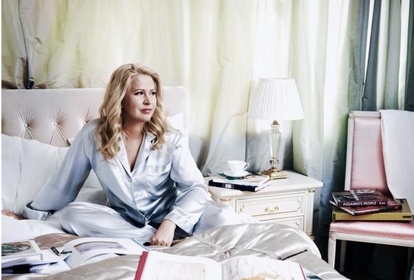 Васильева открыла выставку своих картин