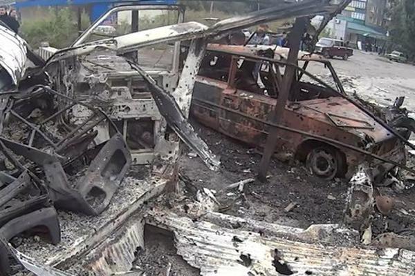 Артиллерия ударила по жилым кварталам у ж/д вокзала Донецка