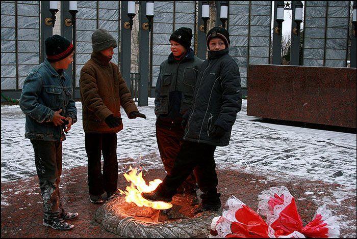 Михаил Делягин: Киевский режим сознательно устраивает катастрофу