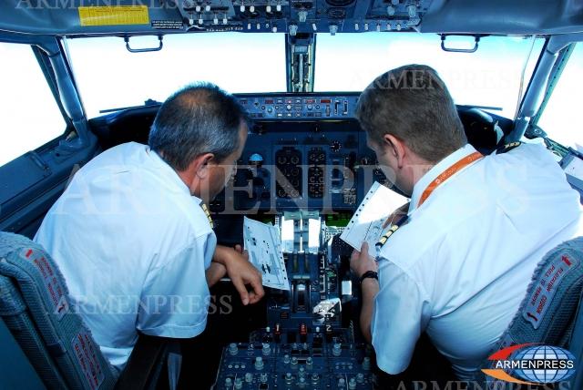 Российские авиалайнеры укомплектовывают иностранными командирами
