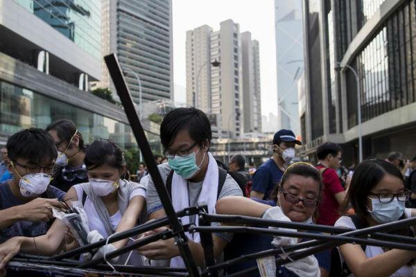 Полиция Гонконга задержала 45 активистов движения «Оккупай централ»