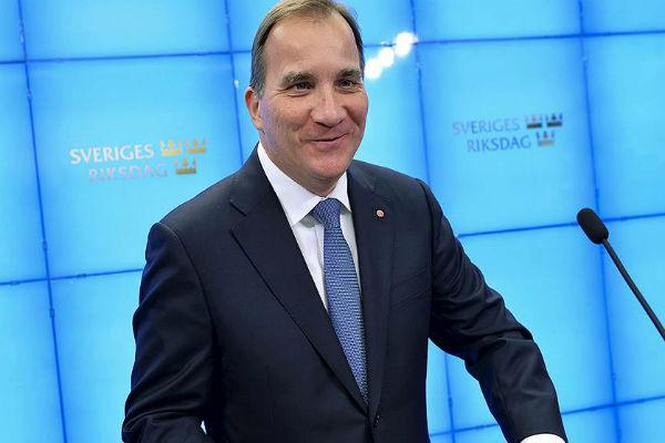 Премьер Швеции опроверг «охоту» за субмариной