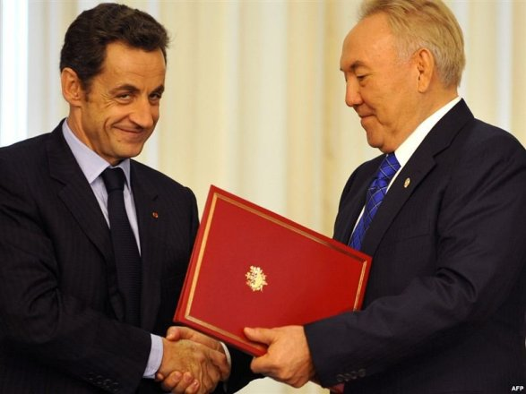Французская прокуратура проверяет Саркози и Назарбаева