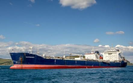 Найден виновник появления нефтяного пятна в Приморье
