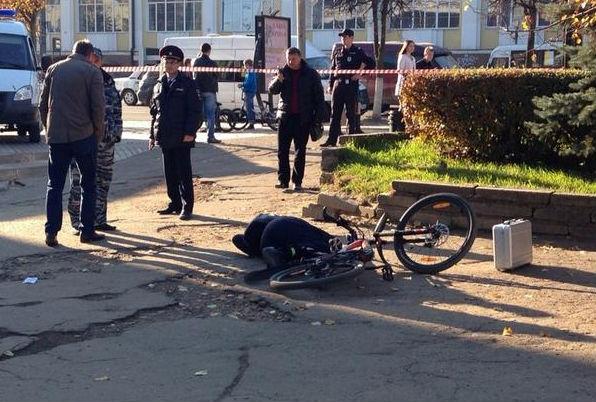 В Смоленске неизвестные открыли стрельбу у торгового центра