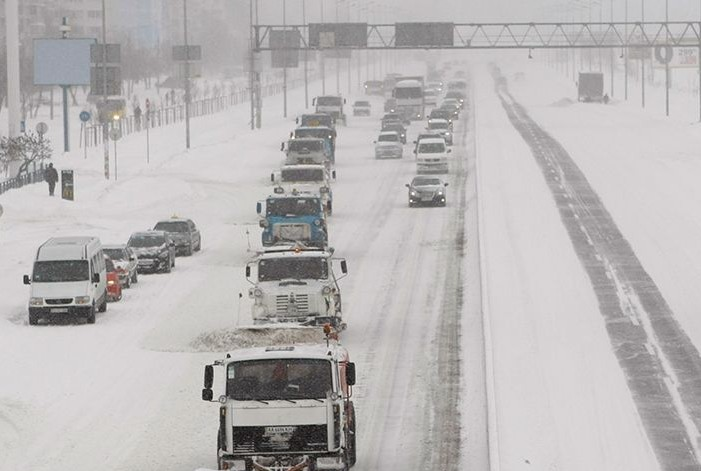 Уральские города накрыла снежная буря
