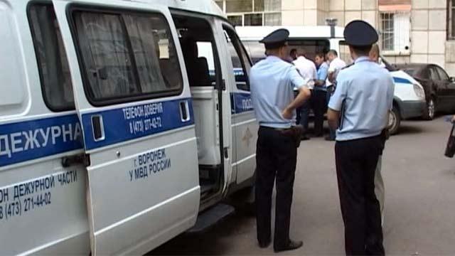 В Воронеже трое школьников ранены в драке с бомжами