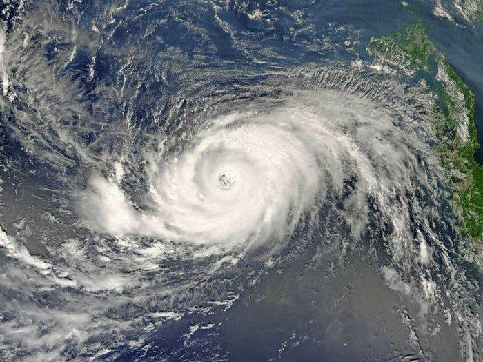 В Японии из-за тайфуна Вонгфонг эвакуировано 150 тыс. человек