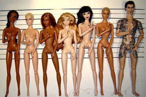 В российских детских садах предлагают запретить Барби