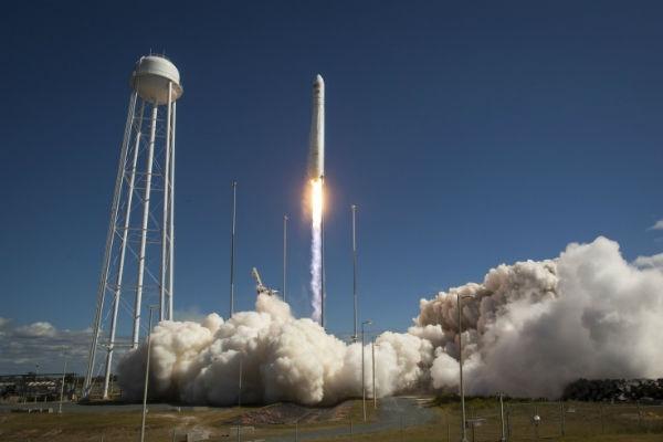Грузовой космический корабль Cygnus взорвался на старте