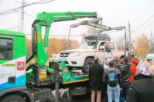 Сергей Миронов: эвакуацию автомобилей нужно запретить и использовать блокираторы