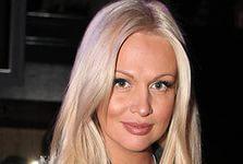 Викторию Лопыреву сняли с самолета в Екатеринбурге