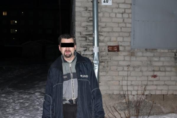 На Урале поклонник поэзии зарезал товарища - любителя прозы