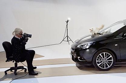Кошка Карла Лагерфельда прорекламировала Opel Corsa