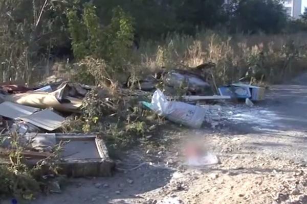 В Волгограде за общежитием мужчина нашел тело ребенка