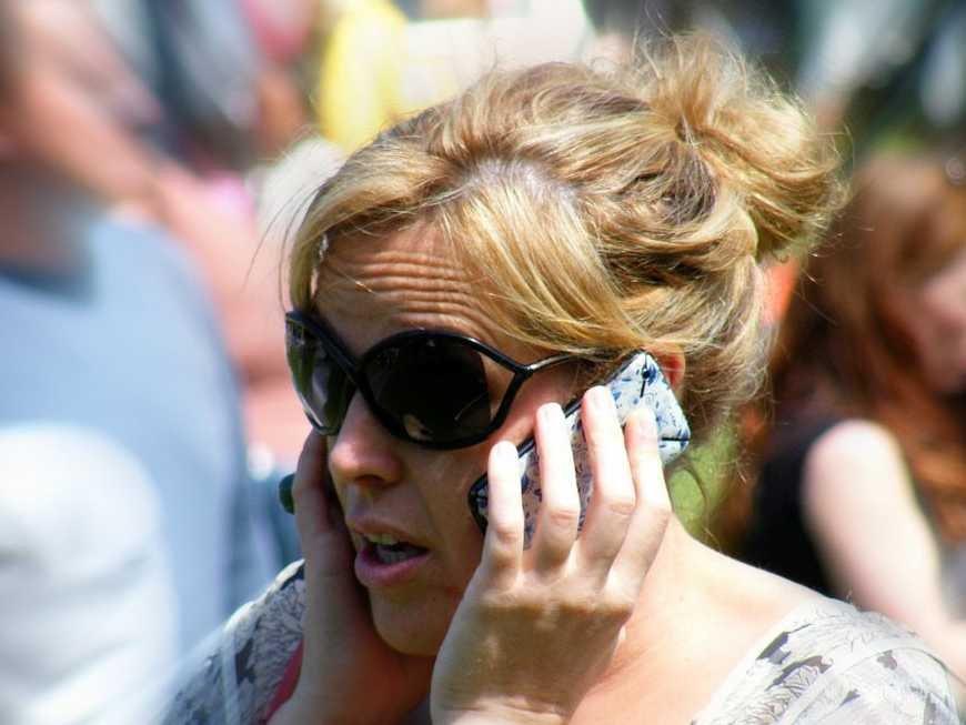 iPhone 6 вырывает волосы