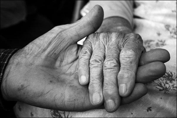 Пожилые супруги умерли в один день в Челябинской области