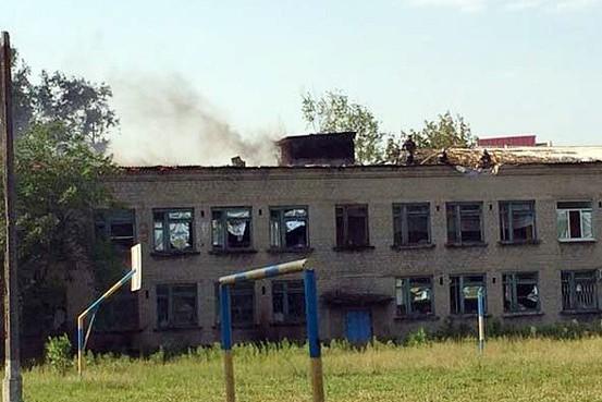 Киев запрещает жителям Донбасса учить детей в школах