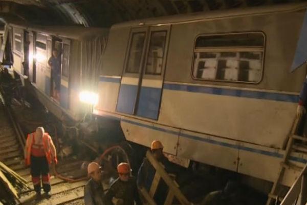 Причина трагедии в метро Москвы - неисправность вагона