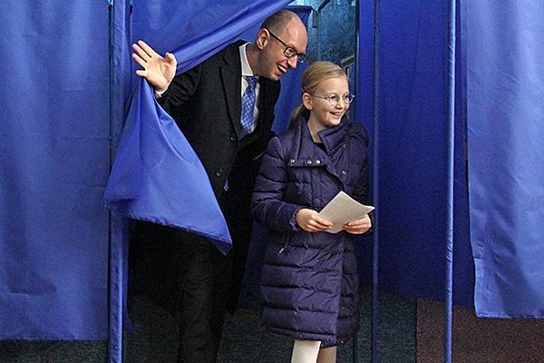 Премьеру Украины подсказала дочь, за кого голосовать