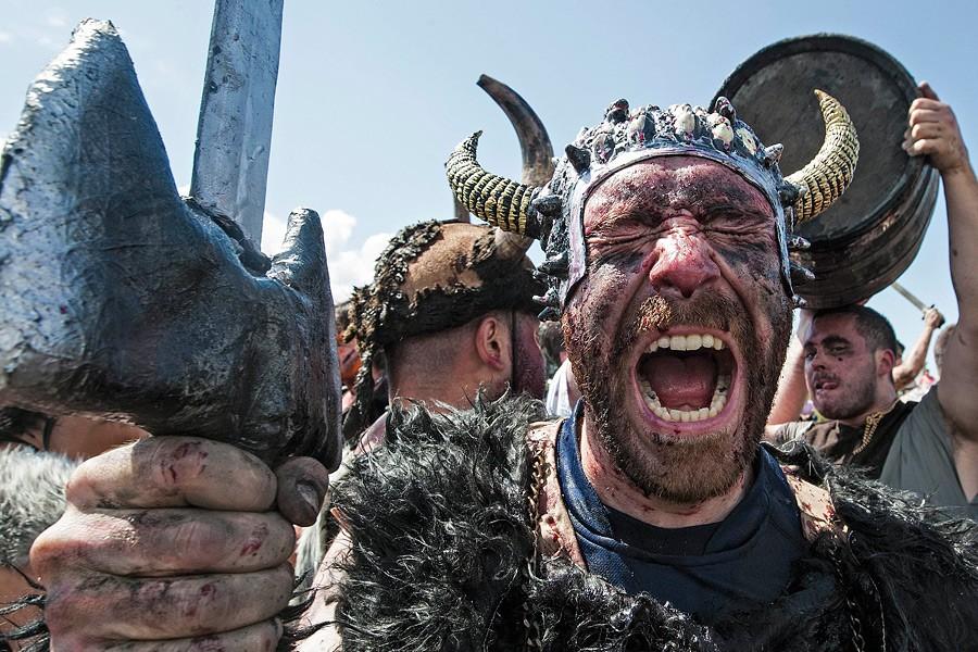 Пожилой шотландец нашел клад викингов, закопанный 1000 лет назад